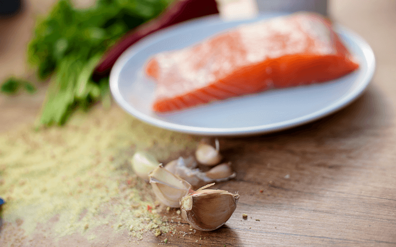 Does Garlic Go With Salmon