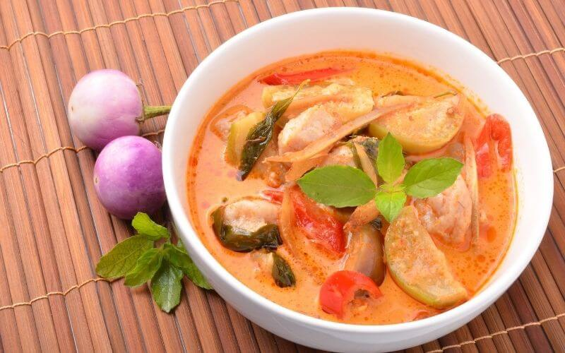 What Does Panang Curry Taste Like